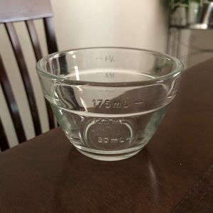 PAMPERED CHEF 3/4 Clear glass bowls